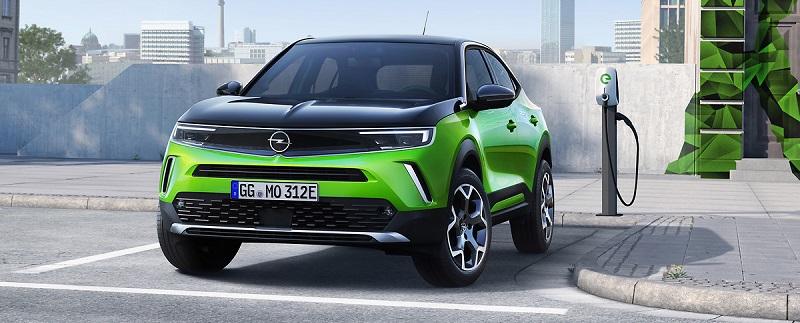 Opel an Ladestation