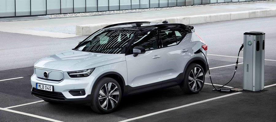 Volvo an Ladestation